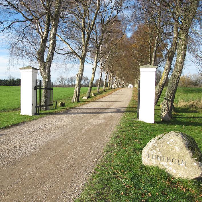 Flintholm sten søjler indgang indkørsel alle entrance road
